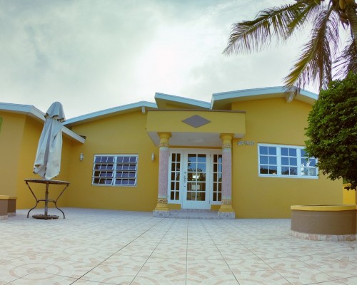 Charming Traditional Island House for Rent